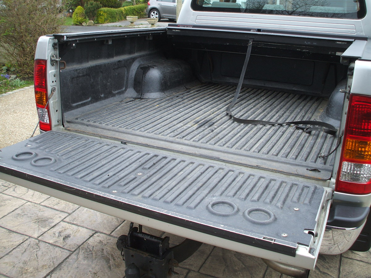 2009 Toyota Hilux For Sale For Hire (picture 6 of 6)