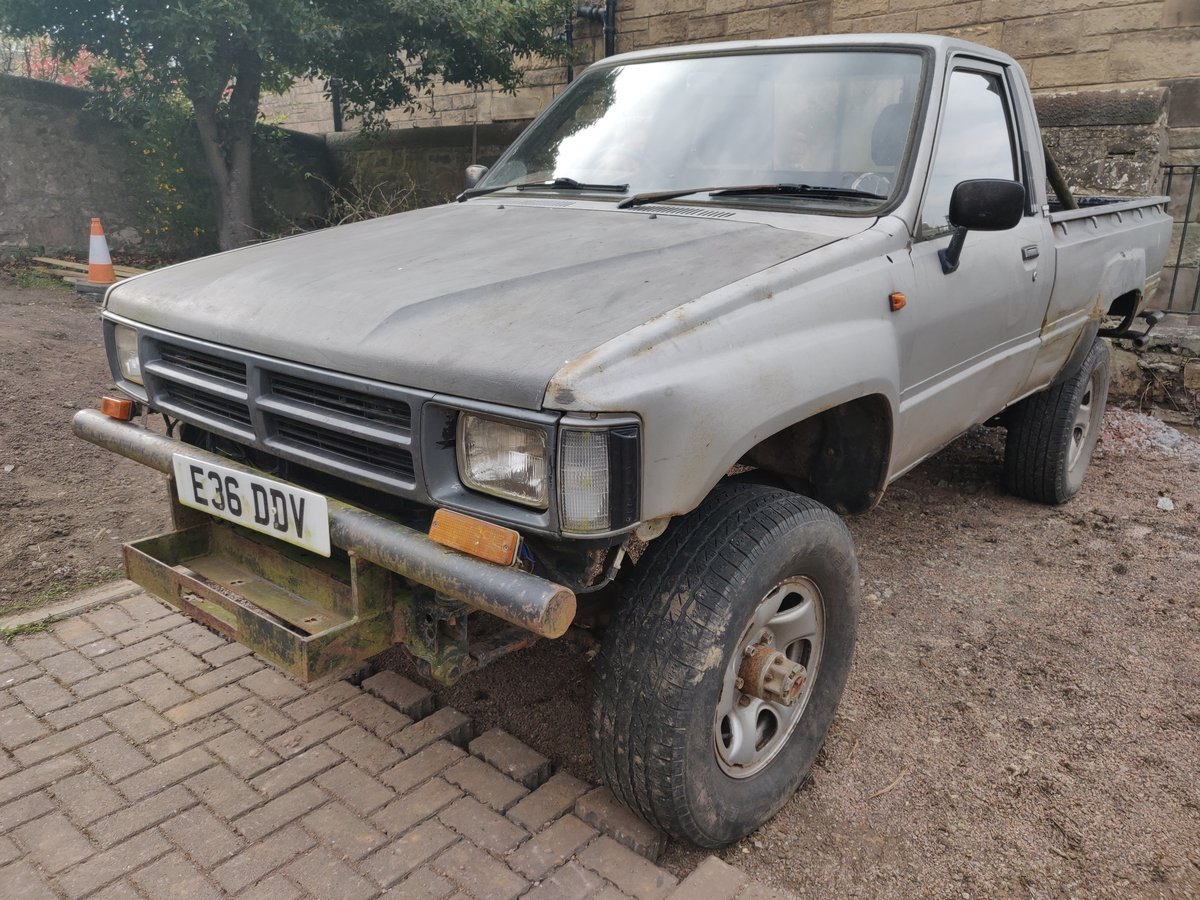 1988 hilux mk2 SOLD (picture 1 of 5)
