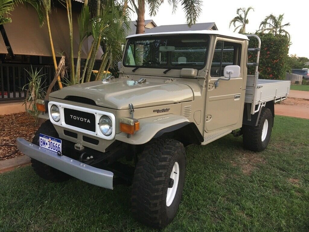 1979 toyota landcruiser fj45 pick up truck RHD For Sale (picture 1 of 6)