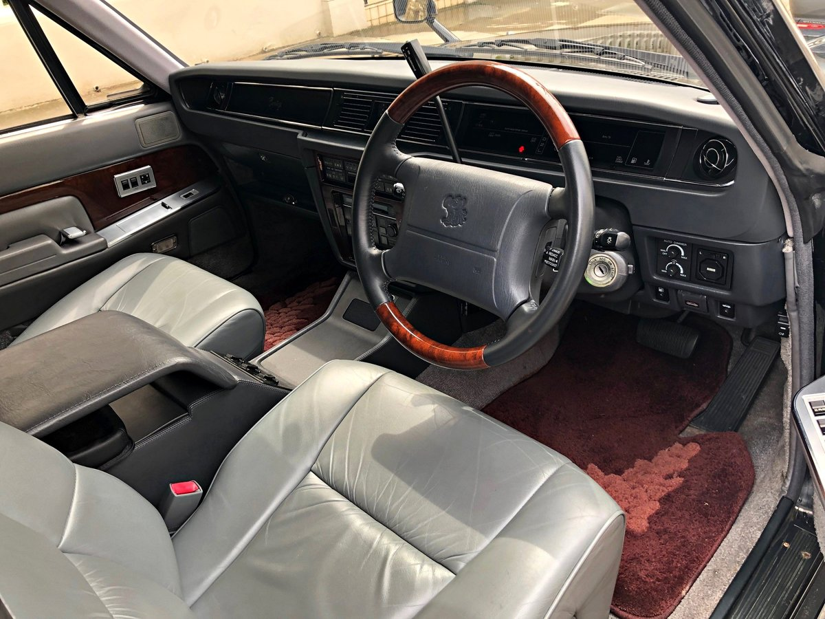 1994 Classic Toyota Century Limousine For Sale (picture 4 of 6)