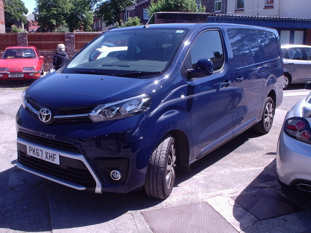 2017 TOYOTA PROACE 120 DIESEL COMFORT VAN 8000 Mls. For Sale (picture 1 of 6)