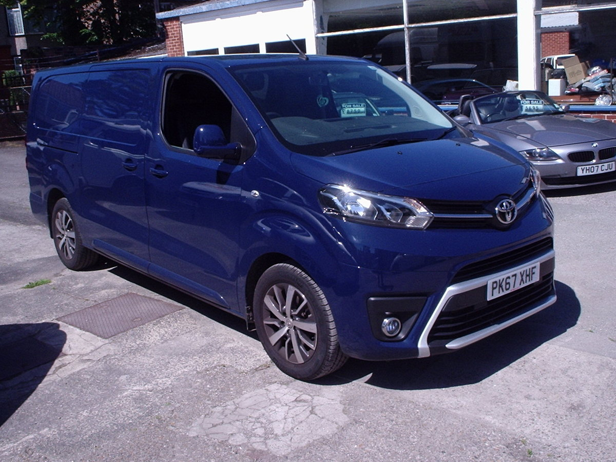 2017 TOYOTA PROACE 120 DIESEL COMFORT VAN 8000 Mls. For Sale (picture 6 of 6)