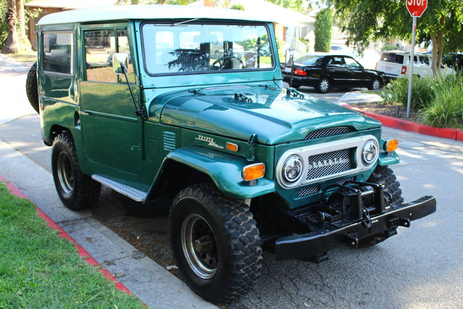 1972 TOYOTA LAND CRUISER FJ 40 4WD SOLD (picture 1 of 6)