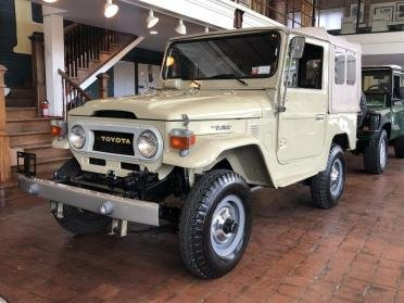 1976 Toyota FJ40 = correct 4.2L straight 4k miles Ivory $44. For Sale