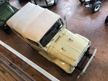 1976 Toyota FJ40 = correct 4.2L straight 4k miles Ivory $44. For Sale (picture 2 of 6)