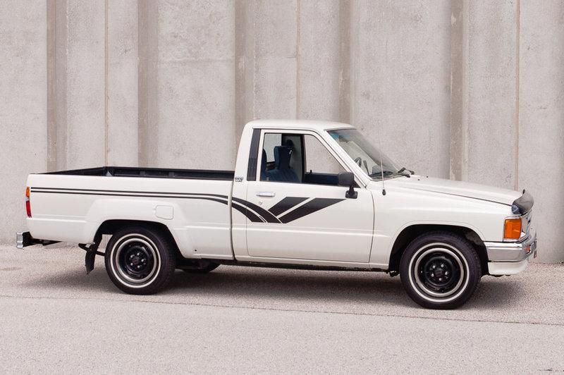 Wondrous 1988 Toyota Hilux Dlx Standard Cab Pickup Truck Auto 14 9K Pabps2019 Chair Design Images Pabps2019Com