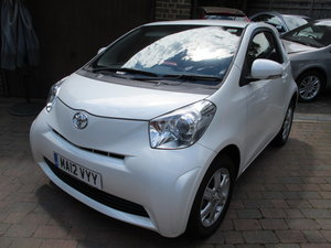 2012 TOYOTA iQ 1.0 3-DOOR 2013MY 29000m FSH WONDERFUL in WHITE !! For Sale