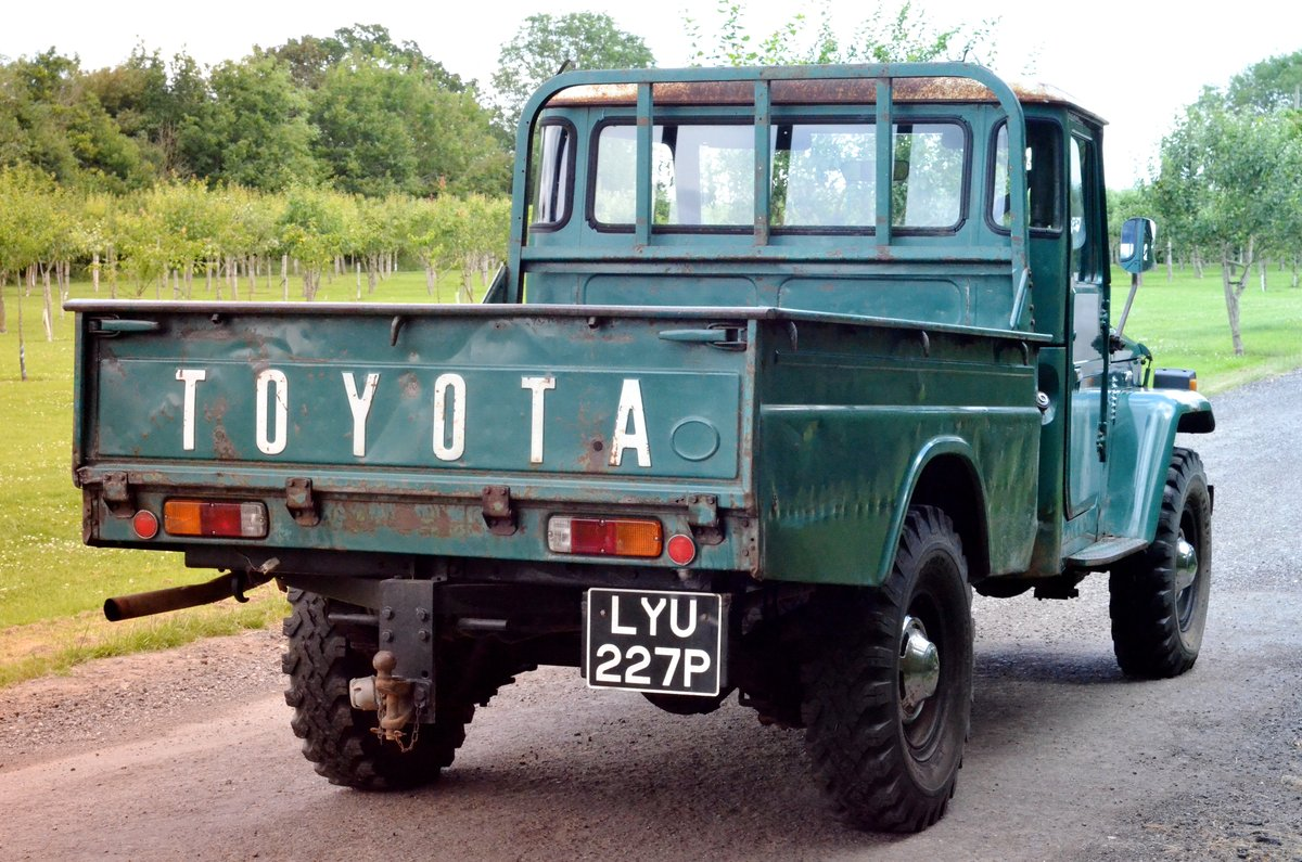 1976 Toyota Landcruiser FJ45 One-of-two UK reg original For Sale (picture 3 of 6)