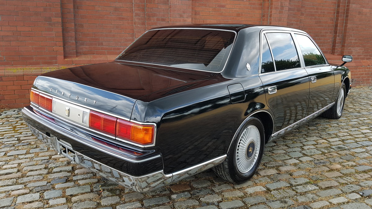 1997 TOYOTA CENTURY REDESIGNED 5.0 V12 * JAPANESE EQ MAYBACH  For Sale (picture 2 of 6)