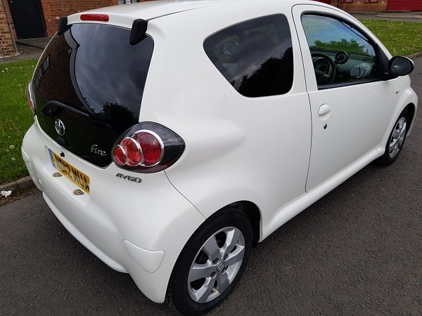 2012 TOYOTA AYGO 1.0 VVTI FIRE 3 DOOR HATCHBACK For Sale (picture 2 of 6)
