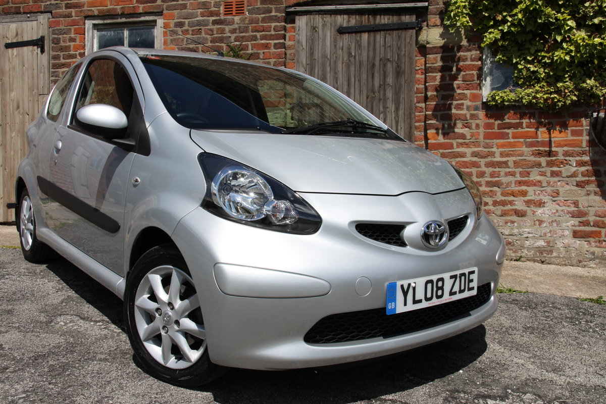 2008'08 Toyota Aygo 1.0 VVT-i Platinum 3dr For Sale (picture 1 of 6)