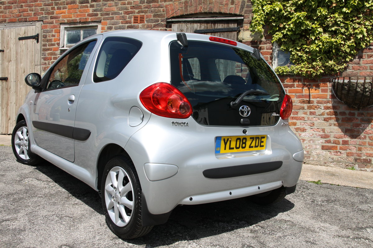 2008'08 Toyota Aygo 1.0 VVT-i Platinum 3dr For Sale (picture 2 of 6)