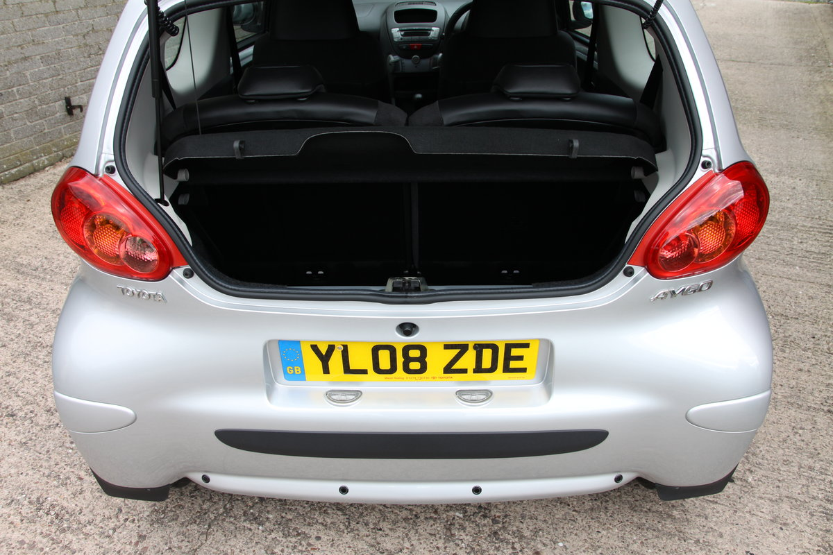 2008'08 Toyota Aygo 1.0 VVT-i Platinum 3dr For Sale (picture 4 of 6)