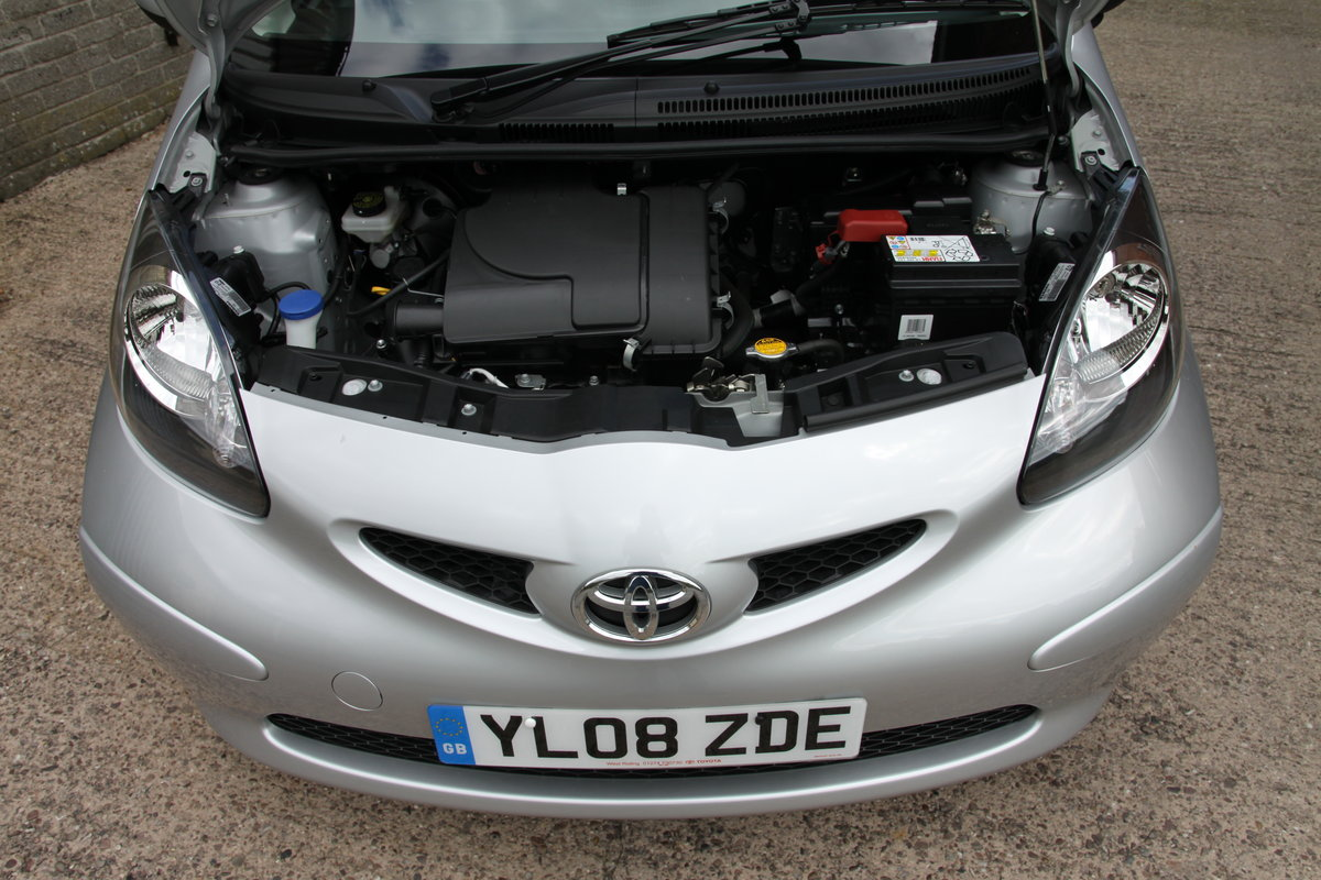 2008'08 Toyota Aygo 1.0 VVT-i Platinum 3dr For Sale (picture 5 of 6)