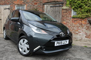 2015'15 Toyota Aygo 1.0 VVT-i x-play 5dr For Sale