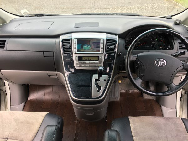 2005 Fresh import Toyota Alphard 3.0 L V6 4WD 8 Seats For Sale (picture 3 of 6)
