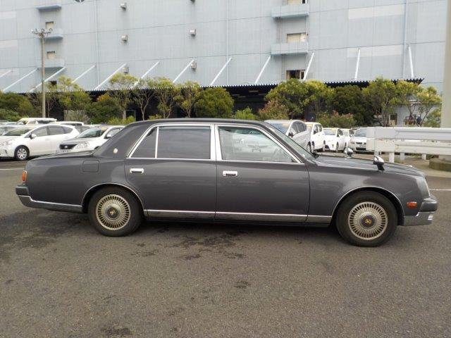 Toyota Century 5.0 V12. 1997. Grey. Due Early Autumn. For Sale (picture 2 of 6)