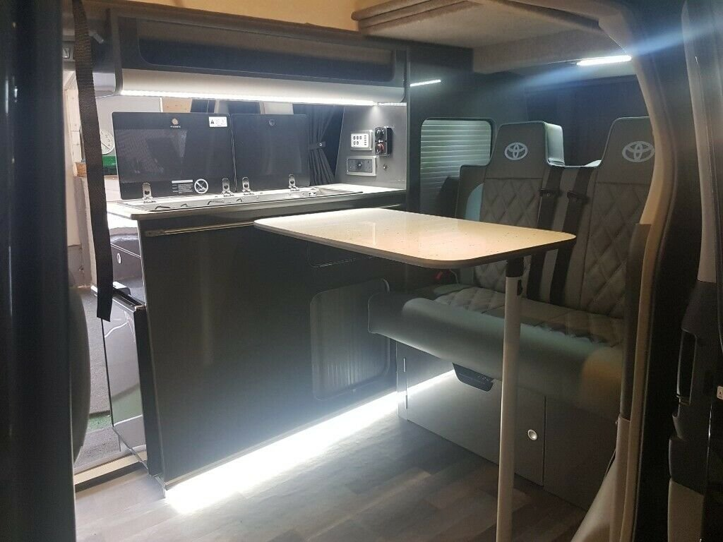 Toyota Alphard - 2006 - 4 Berth Conversion For Sale (picture 3 of 6)