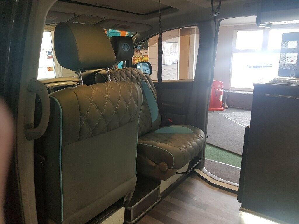 Toyota Alphard - 2006 - 4 Berth Conversion For Sale (picture 4 of 6)