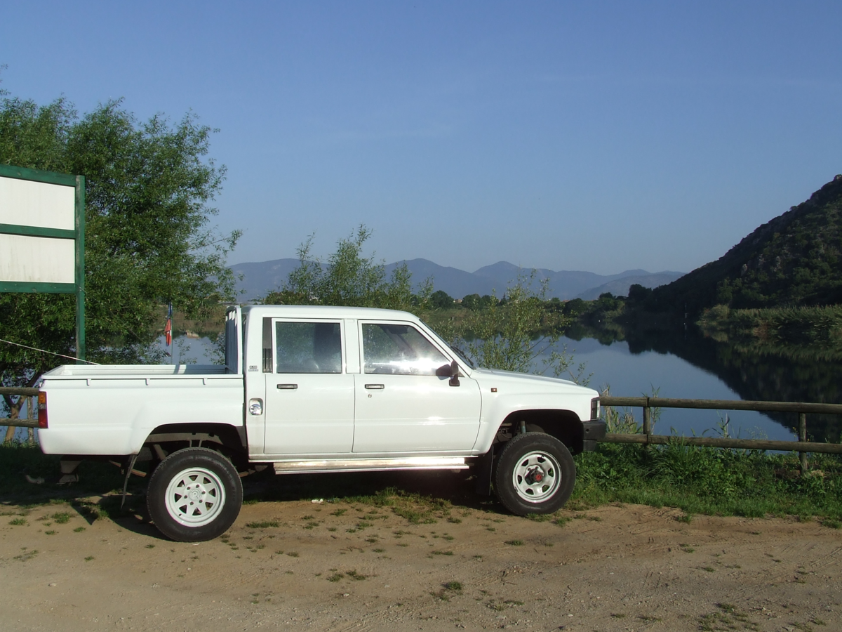 1988 Toyota HILUX For Sale (picture 4 of 5)