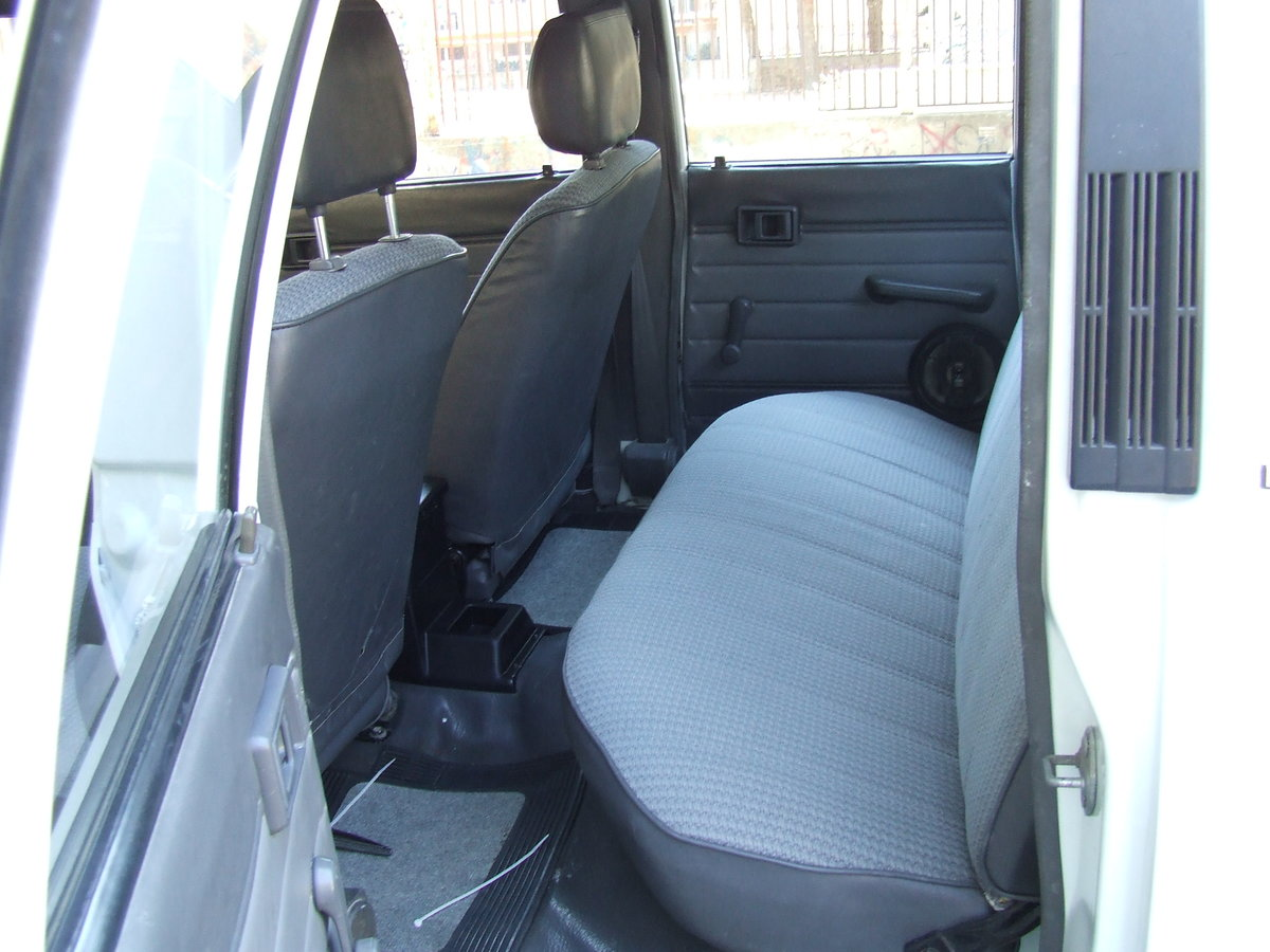 1988 Toyota HILUX For Sale (picture 5 of 5)