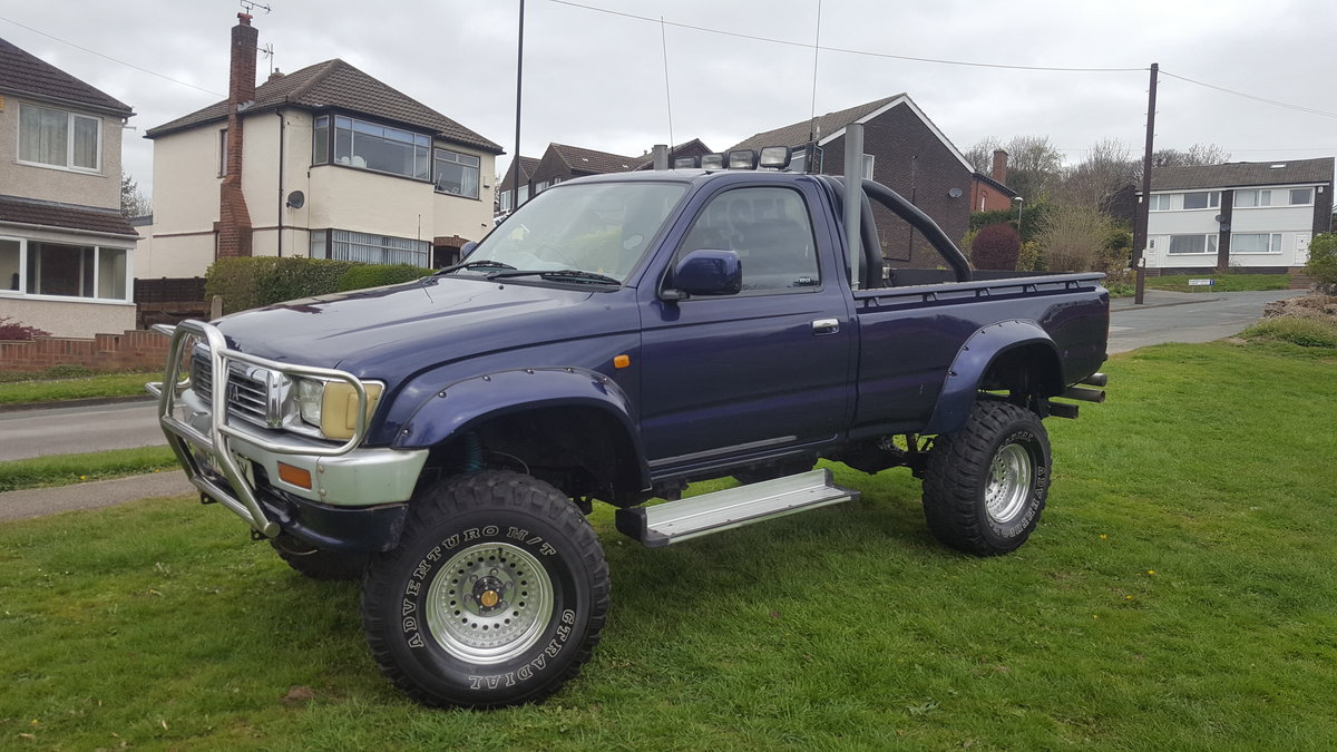 1991 Toyota hilux 2.4TD  For Sale (picture 2 of 6)