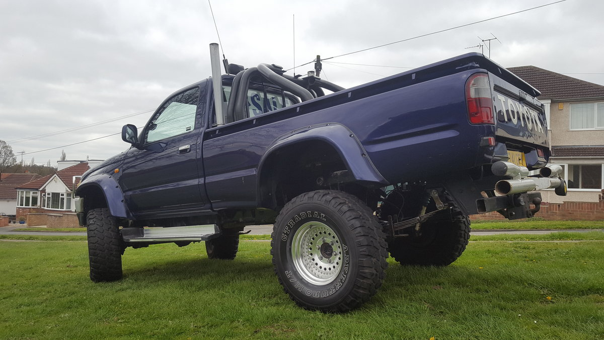 1991 Toyota hilux 2.4TD  For Sale (picture 3 of 6)