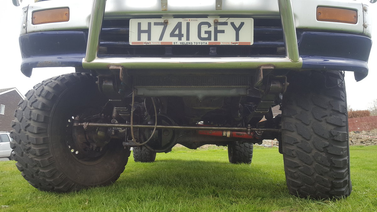 1991 Toyota hilux 2.4TD  For Sale (picture 4 of 6)