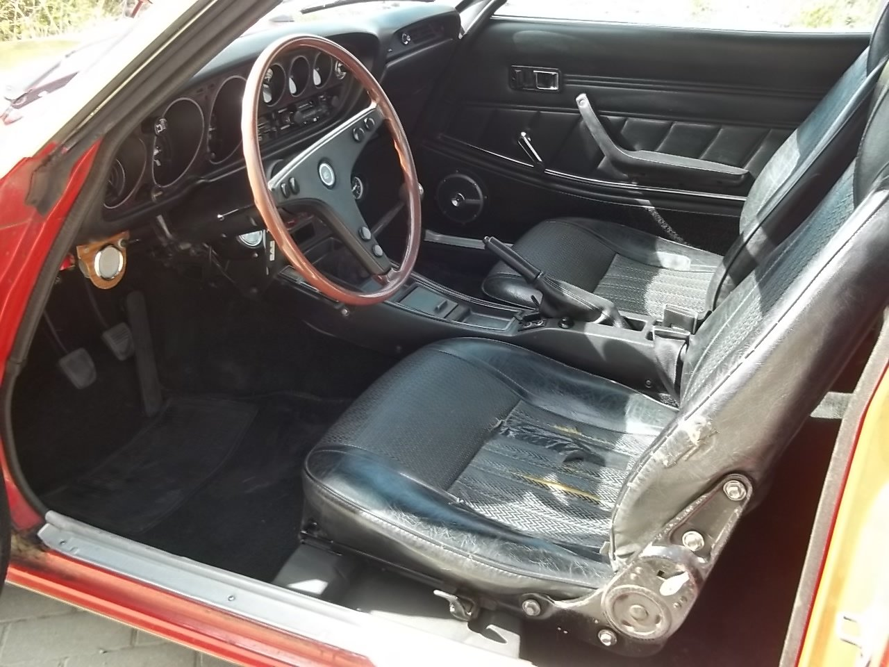 1973 Toyota Celica TA22 1600ST  1 owner from new For Sale (picture 5 of 6)