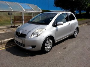 TOYOTA YARIS VVT-I 1.3 AUTOMATIC LOW MILES FULL MOT