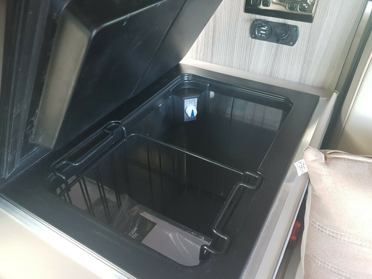 Toyota Alphard 2003 - New Conversion - 4B - Japanese Import For Sale (picture 6 of 6)