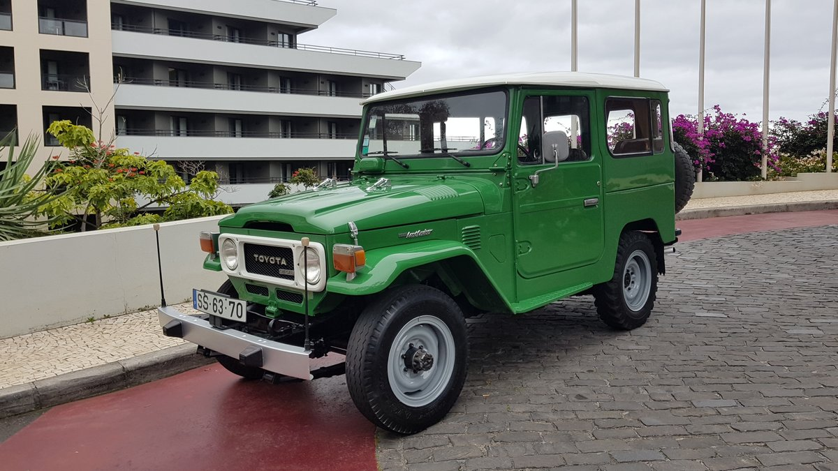 1980 Land Cruiser BJ40  68000 Kms (42500 Mls)  7 Seats  For Sale (picture 1 of 6)