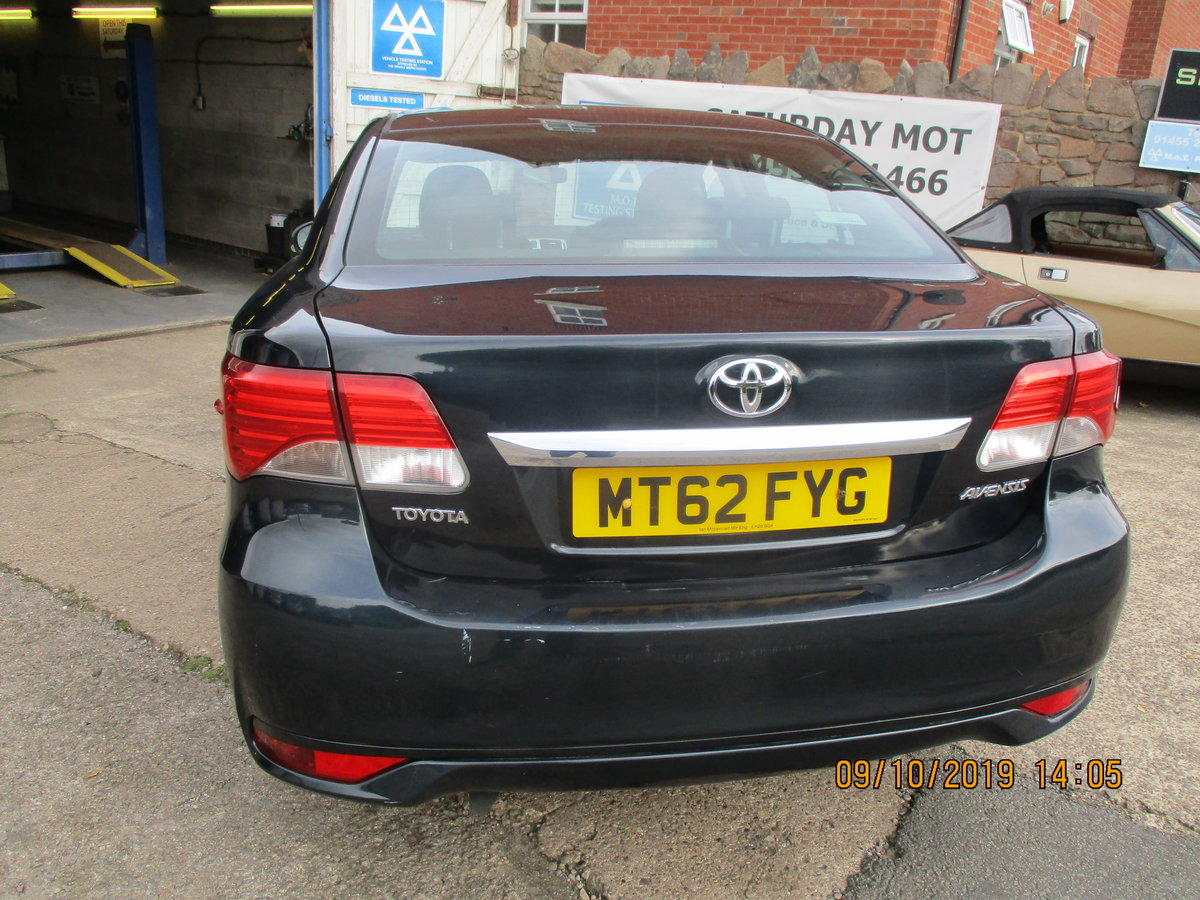 2012 62 SOUND DRIVER THIS 235K MILES TOYOTA AVENUES 4 DOOR SALOON For Sale (picture 2 of 6)