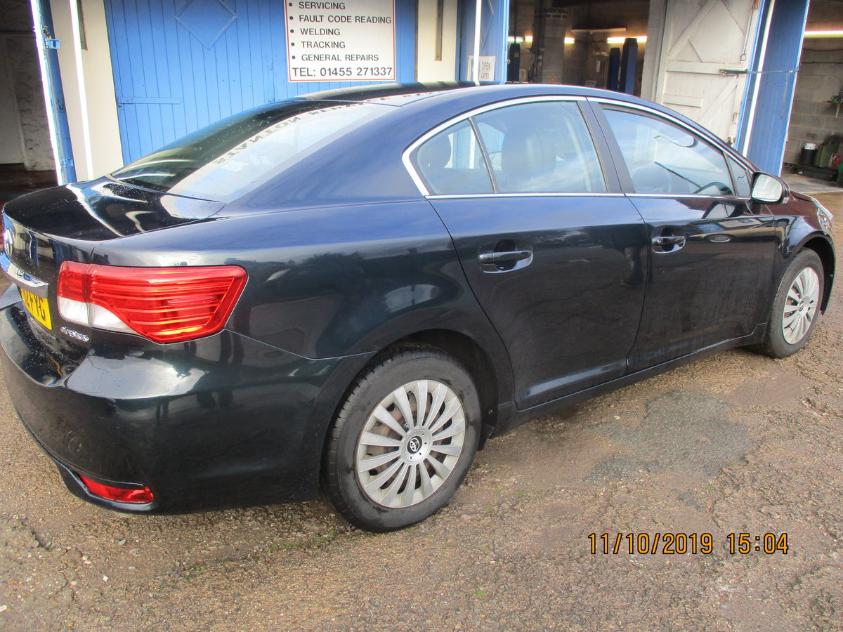 2012 62 SOUND DRIVER THIS 235K MILES TOYOTA AVENUES 4 DOOR SALOON For Sale (picture 3 of 6)