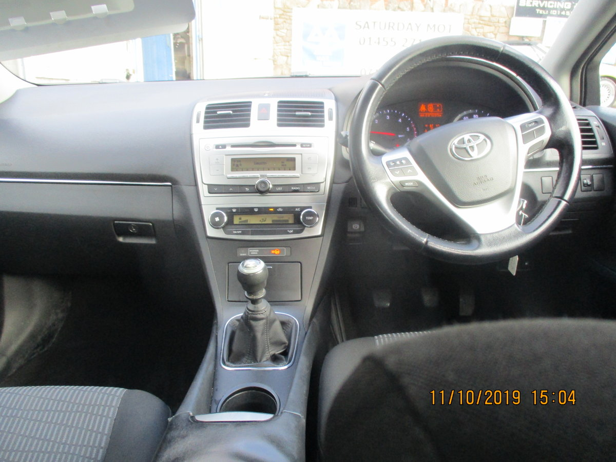 2012 62 SOUND DRIVER THIS 235K MILES TOYOTA AVENUES 4 DOOR SALOON For Sale (picture 4 of 6)