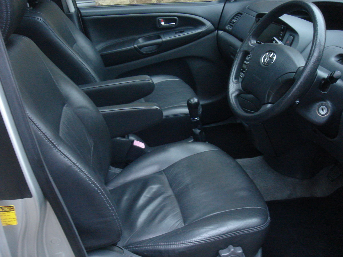 2004 04 TOYOTA PREVIA 2.0 D-4D T SPIRIT. 7 SEATS. LEATHER. For Sale (picture 2 of 6)