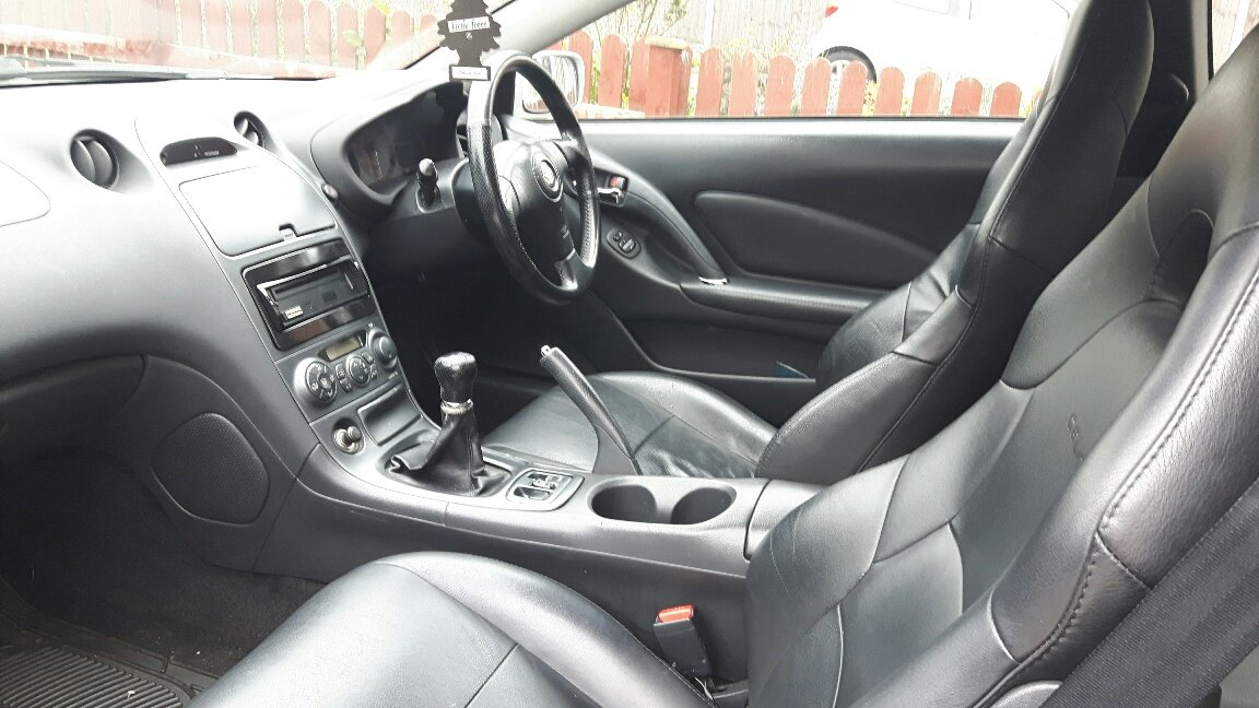 2006 Toyota Celica with only one previous owner For Sale (picture 3 of 4)