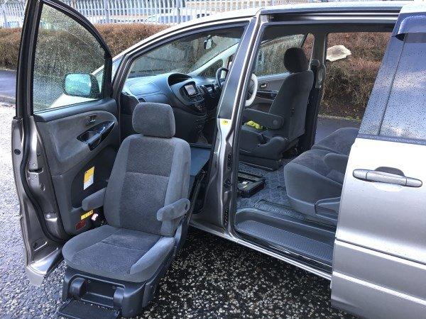 2004 FRESH IMPORT TOYOTA ESTIMA WELLFARE CAB 2.4 AUTO 8 SEAT For Sale (picture 5 of 6)