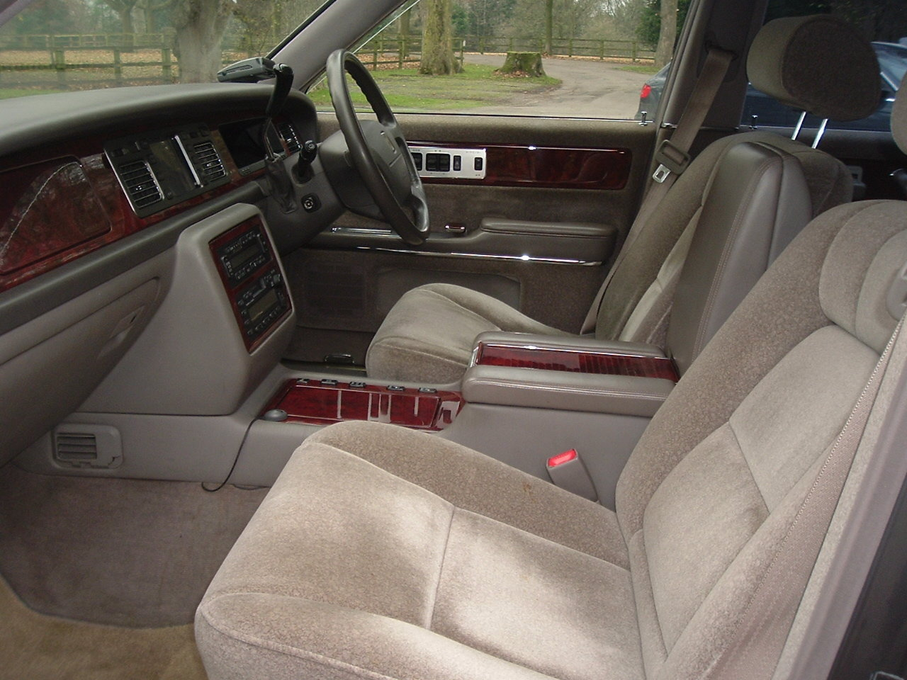1997/P Toyota Century V12. Rinpo Grey/Lambswool. FSH. SOLD (picture 6 of 6)