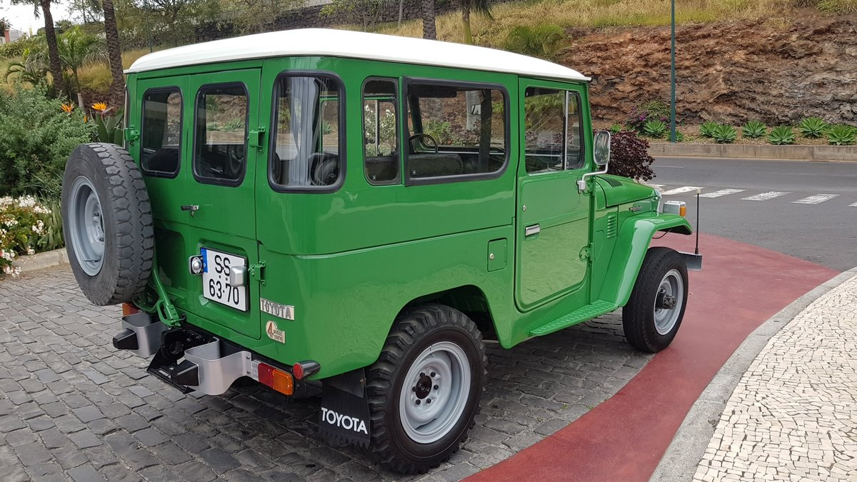 1980 Land Cruiser BJ40  68000 Kms (42500 Mls)  7 Seats  For Sale (picture 3 of 6)