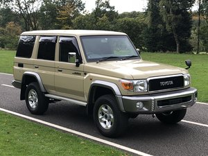 2015 Toyota Land Cruiser 30th Anniversary 70 serie