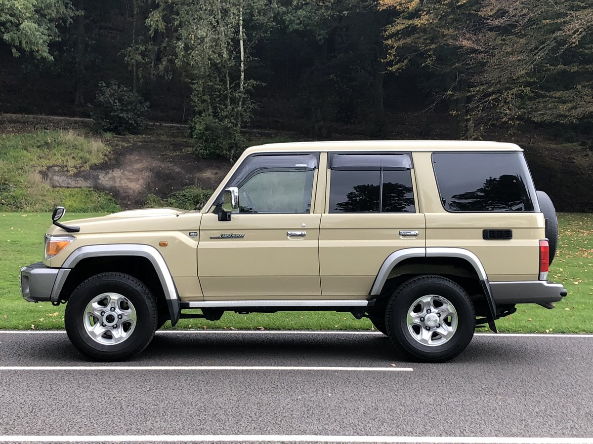 2015 Toyota Land Cruiser 30th Anniversary 70 serie For Sale (picture 2 of 6)