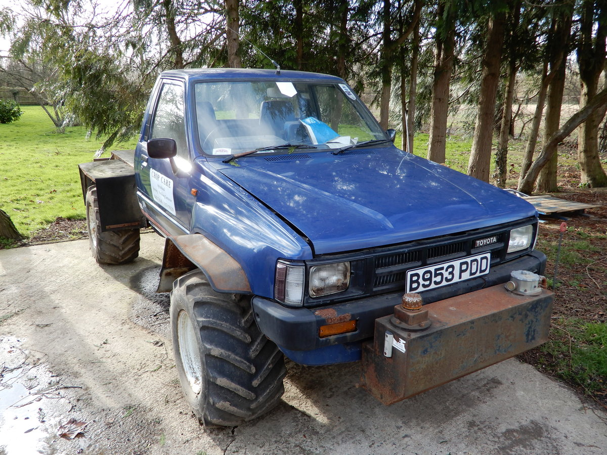1985 Toyota Hilux Mk2 Low Mileage For Sale (picture 1 of 6)