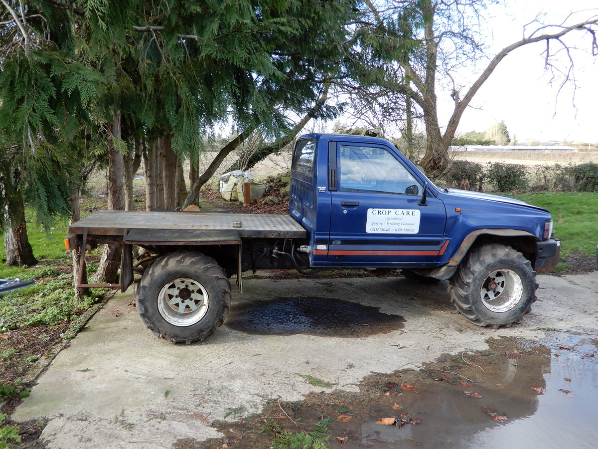 1985 Toyota Hilux Mk2 Low Mileage For Sale (picture 2 of 6)
