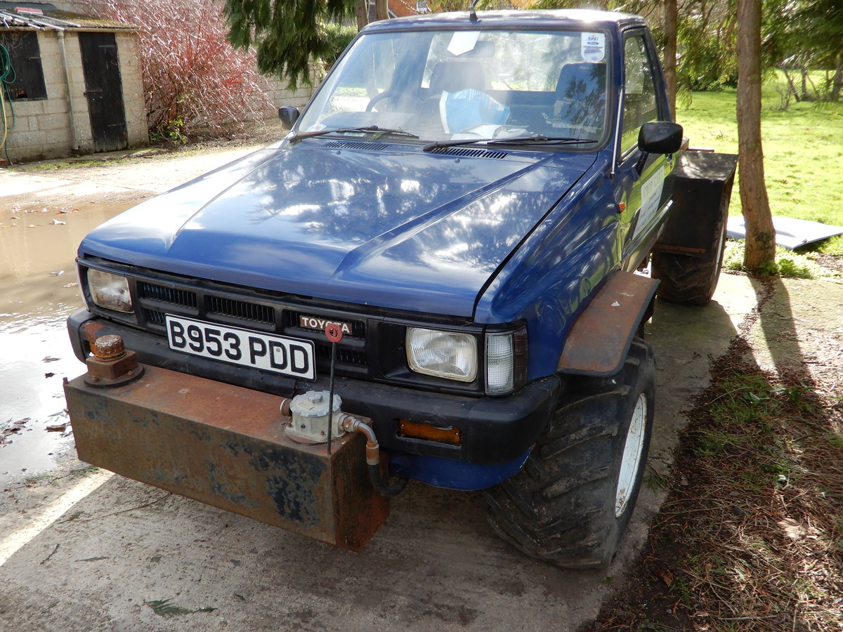 1985 Toyota Hilux Mk2 Low Mileage For Sale (picture 4 of 6)