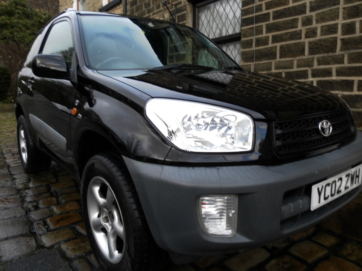 2002 Toyota rav4 incredibly maintained  (11 s/stamps) For Sale (picture 1 of 6)