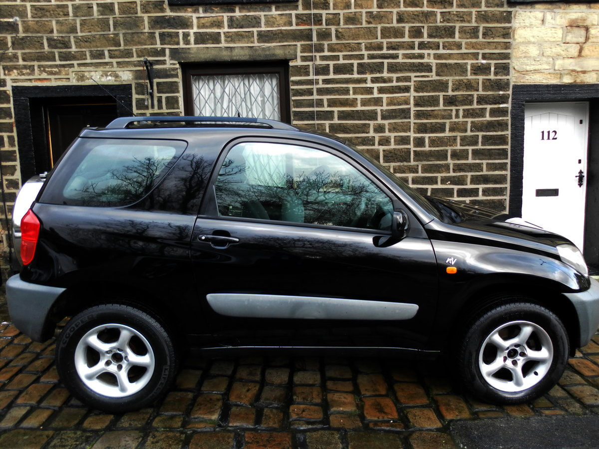 2002 Toyota rav4 incredibly maintained  (11 s/stamps) For Sale (picture 6 of 6)
