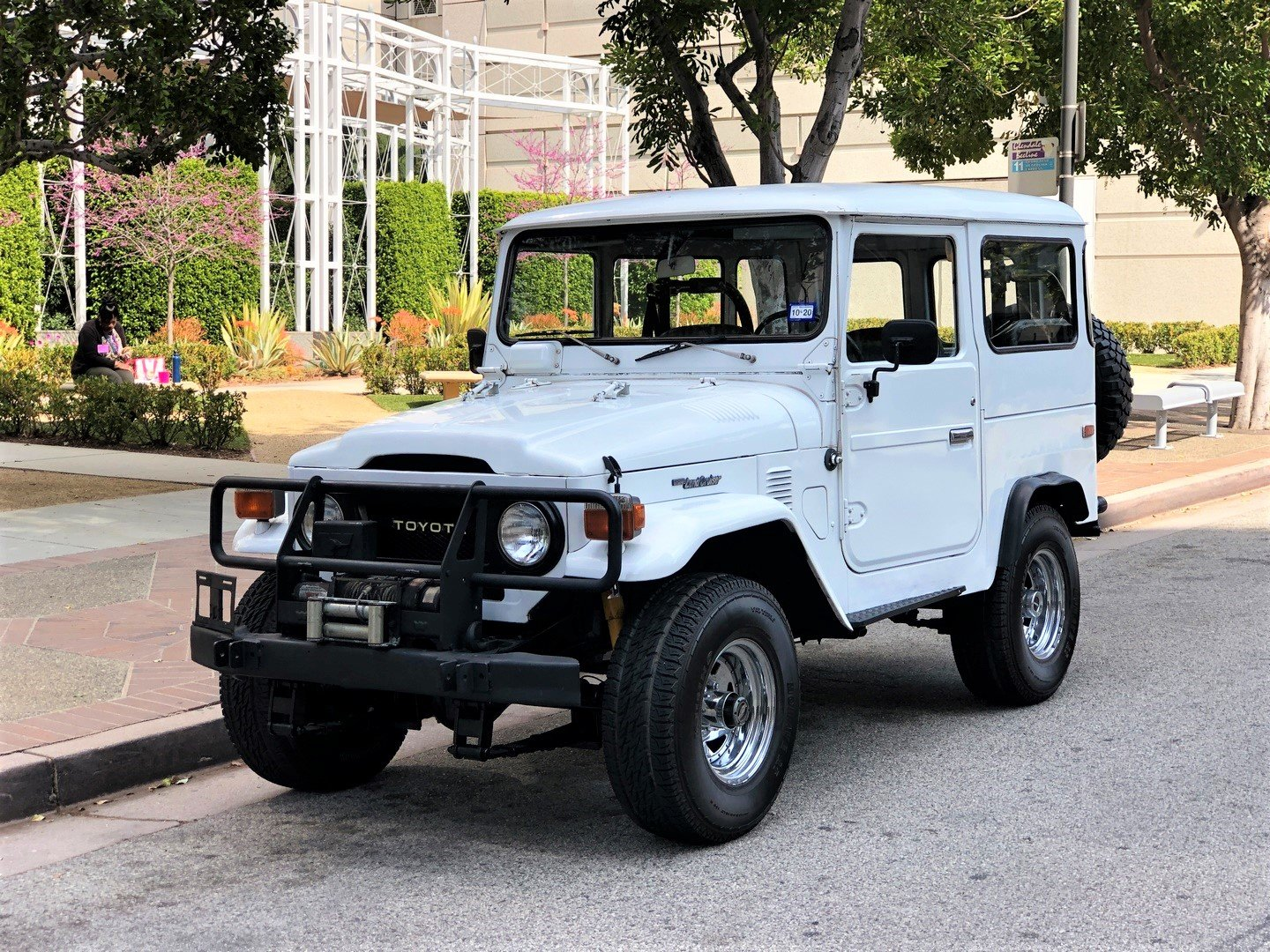1976 TOYOTA LAND CRUISER FJ 40 SOLD (picture 1 of 6)