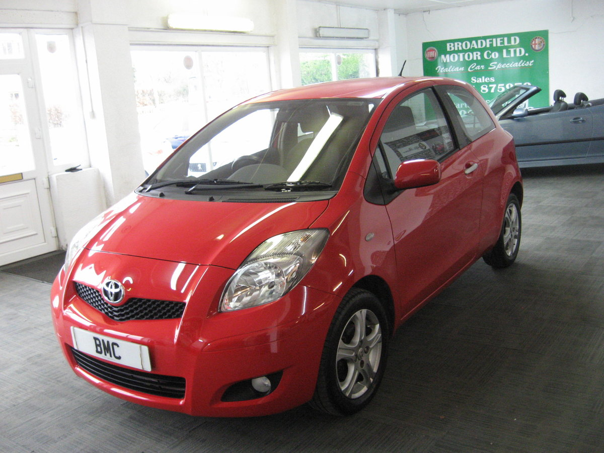 2010 10-reg Toyota Yaris 1.4D-4D TR For Sale (picture 2 of 6)