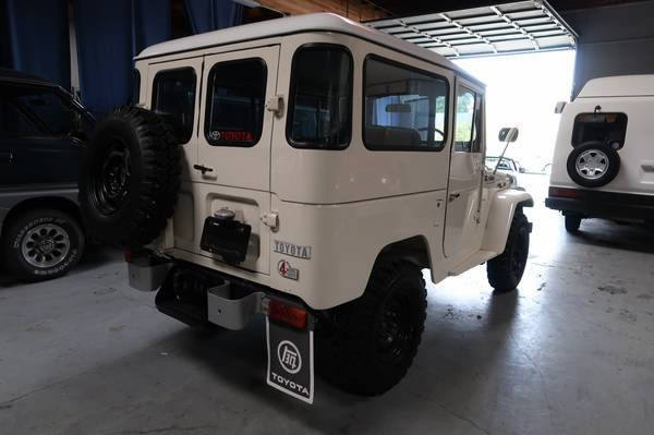1972 Toyota Land Cruiser FJ40 RHD Rare Gas Manual Ivory $33. For Sale (picture 2 of 6)